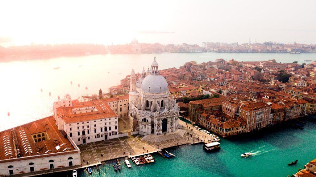 Türkiye'den İtalya'ya ev eşyası taşıma